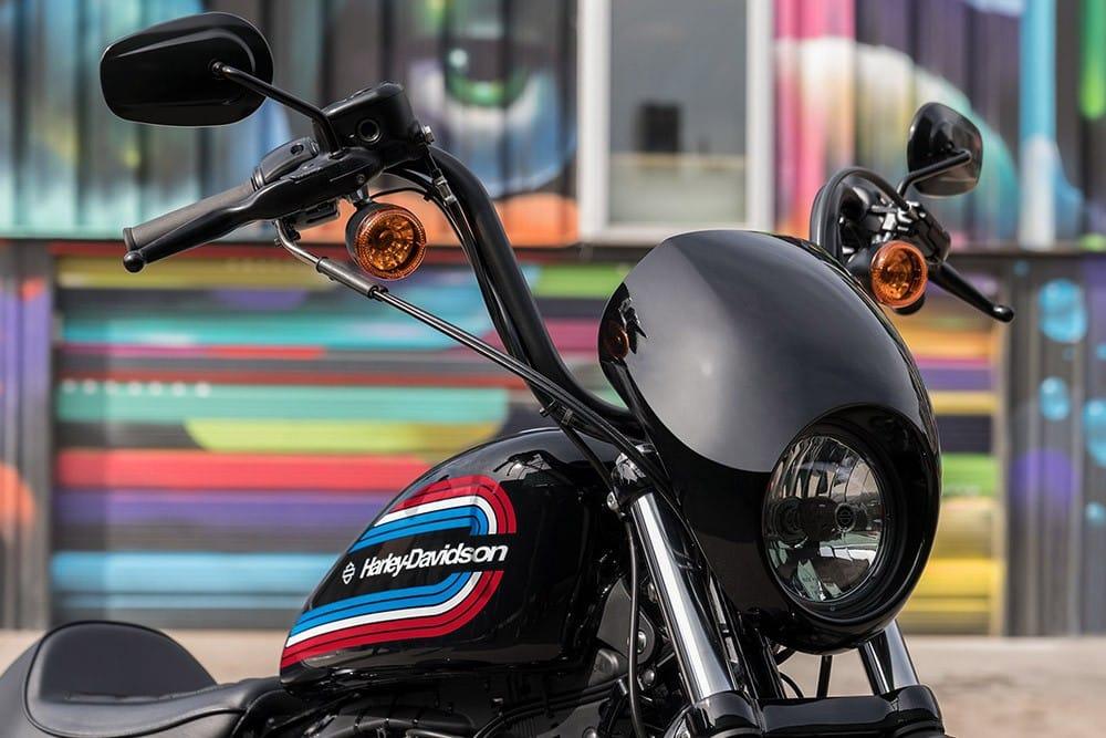 20-hd-iron-1200-bike-c25_feature1