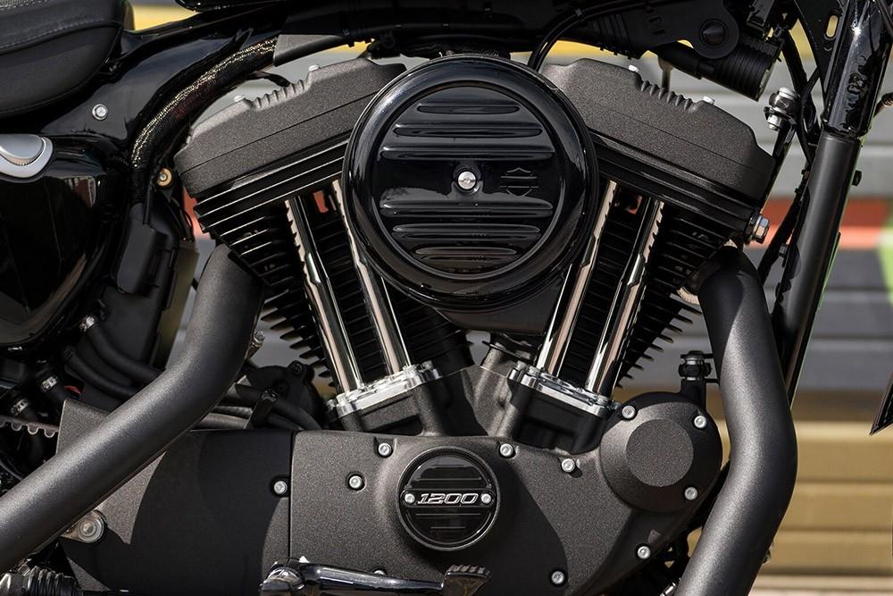 20-hd-iron-1200-bike-c25_feature7