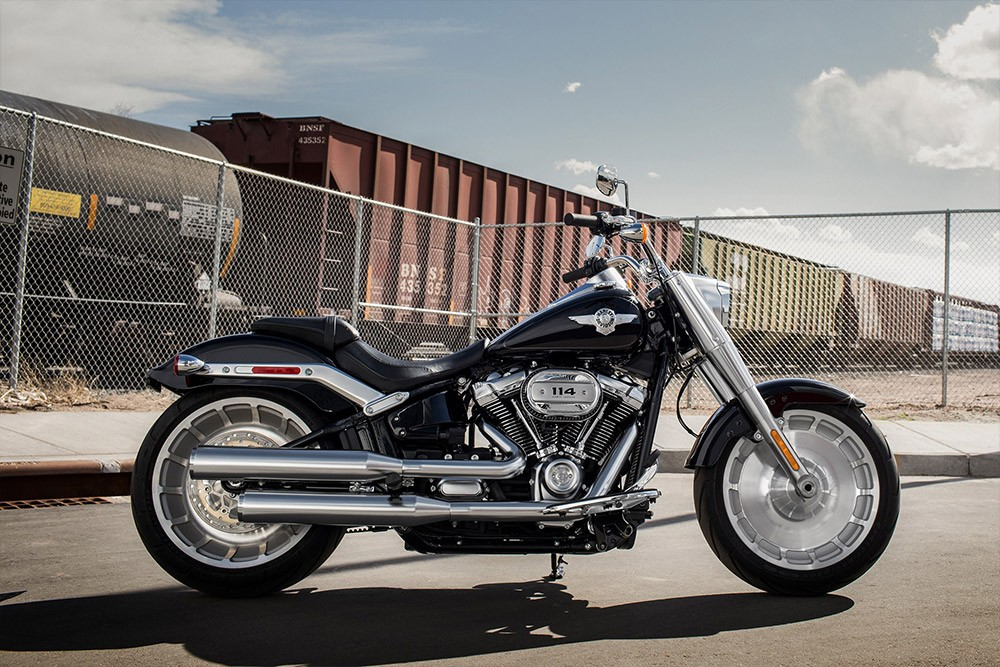 20-softail-fat-boy-114_feature3