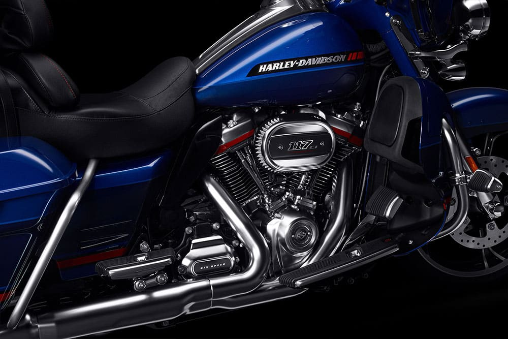 harley-davidson-cvo-limited_feature3
