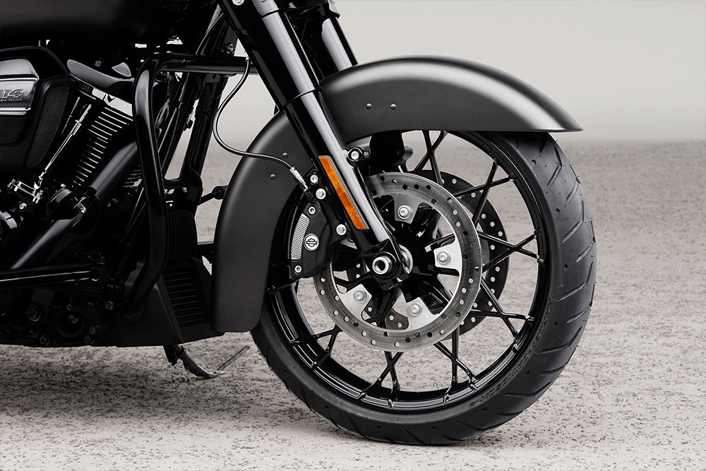 harley-davidson-touring-road-king-special_feature2