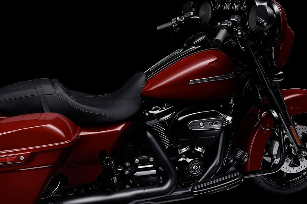 harley-davidson-touring-street-glide-special_feature3