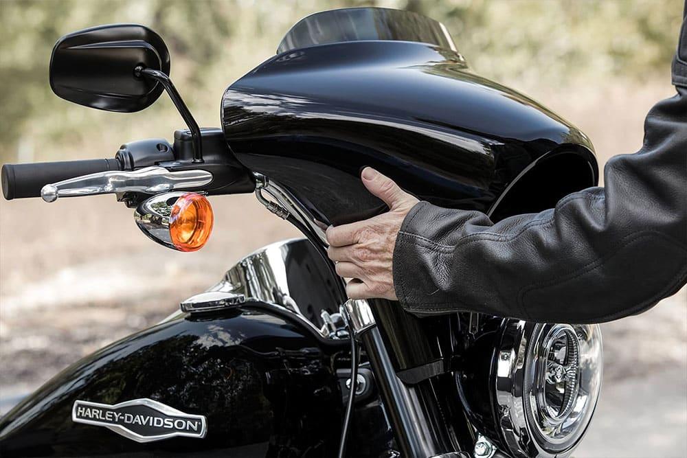 harleydavidson-sport-glide-bike_feature3